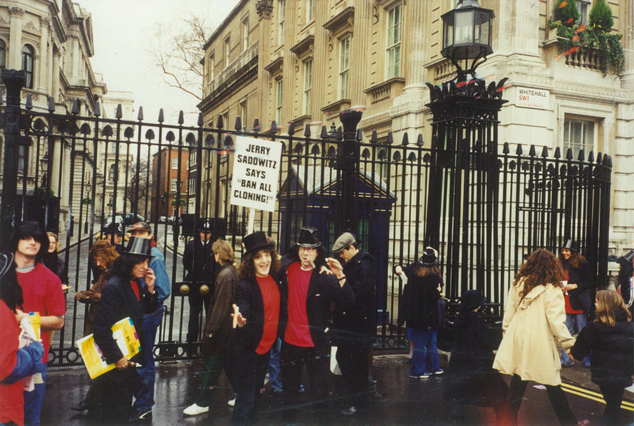 1999 Outside No. 10 Downing Street